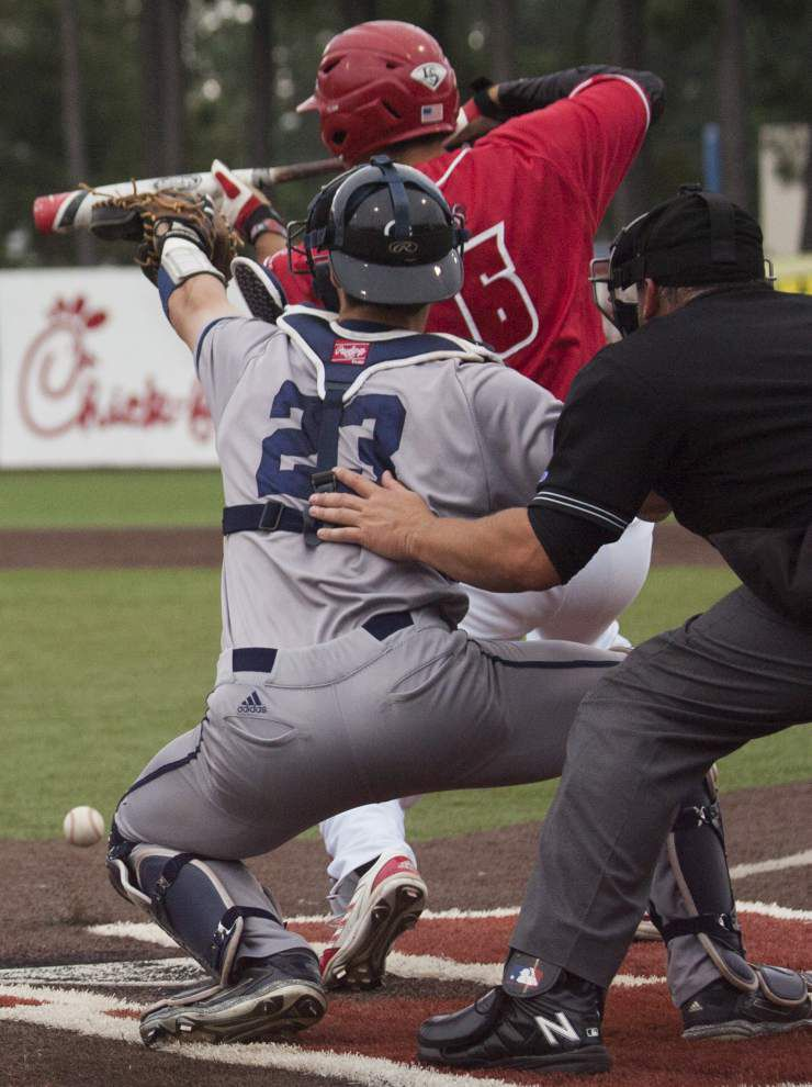 Sacrifice bunts, extra innings, whatever: Ragin' Cajuns adjust on the fly to fill roles _lowres