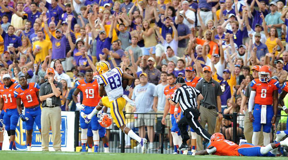 LSU notebook: Anthony Jennings to Travin Dural connection keeps paying off _lowres