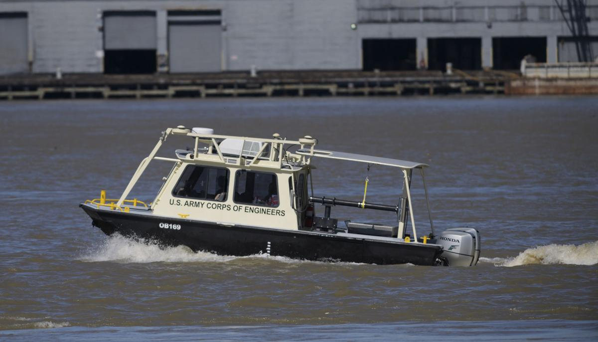 coast guard two missing after towing vessel capsizes in mississippi river near new orleans. Black Bedroom Furniture Sets. Home Design Ideas
