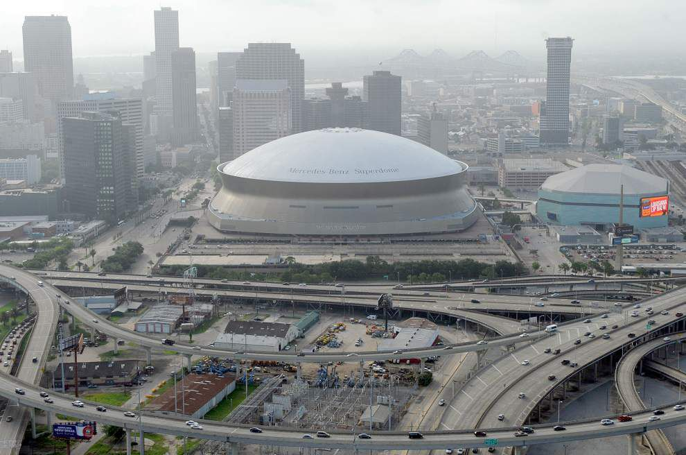New Orleans aerial skyline