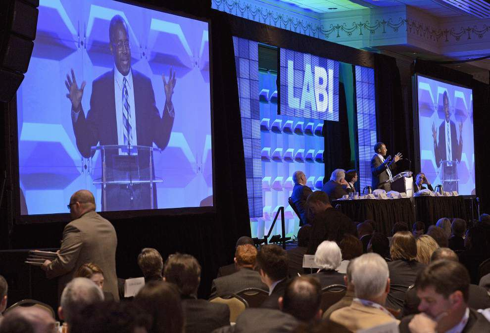 Carson addresses La. business leaders _lowres
