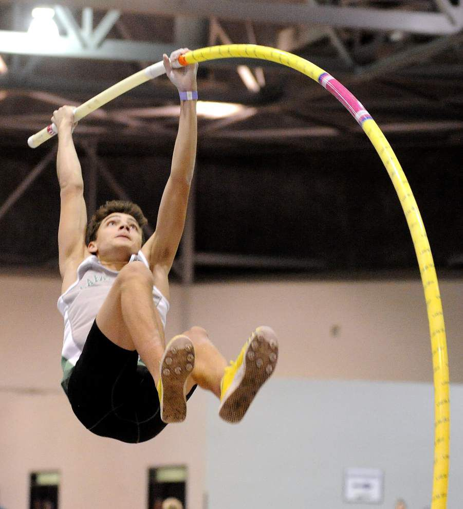 Soaring to new heights: Lafayette High's Armand Duplantis sets national indoor prep pole vault record by clearing 18 feet, 1/2 inch _lowres