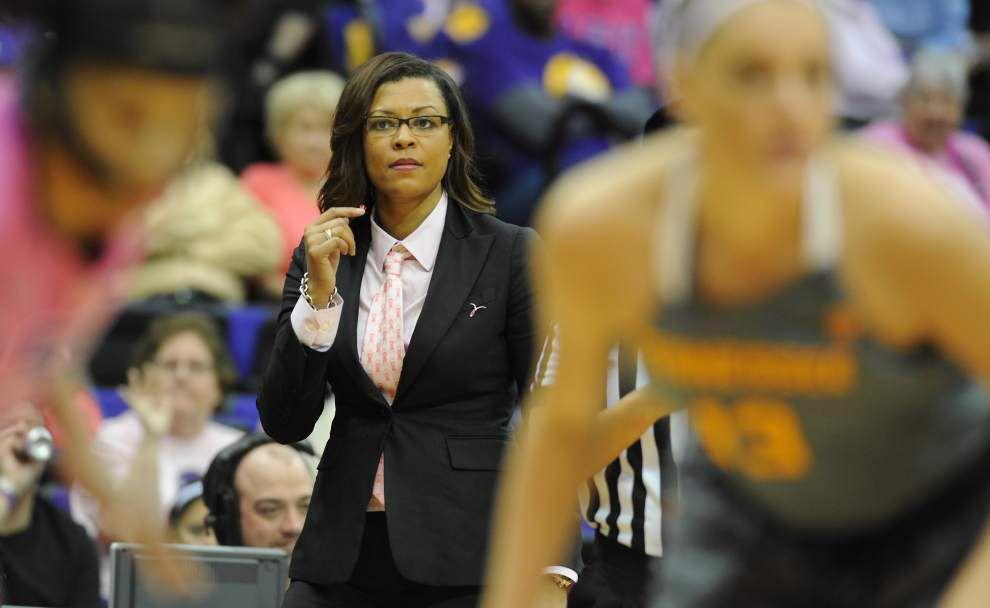 Veteran women's basketball coach, Louisiana native Mickie DeMoss, joining LSU staff as assistant _lowres