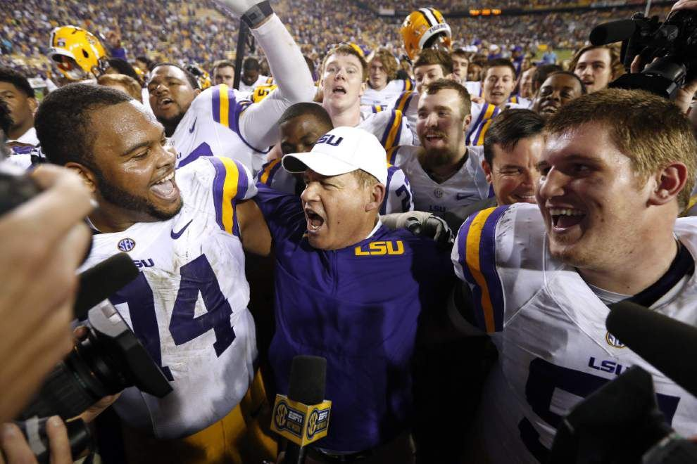 Video: Les Miles sings alma mater with players, Tiger Band; peek behind scenes at 3 Doors Down prep _lowres