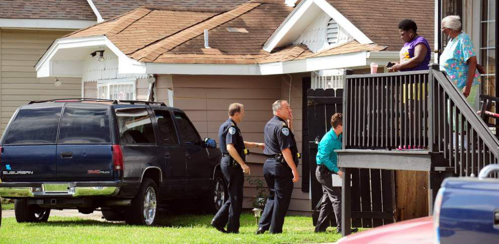 Jefferson Parish Sheriff's Office deputy shoots bank robbery suspect after chase _lowres