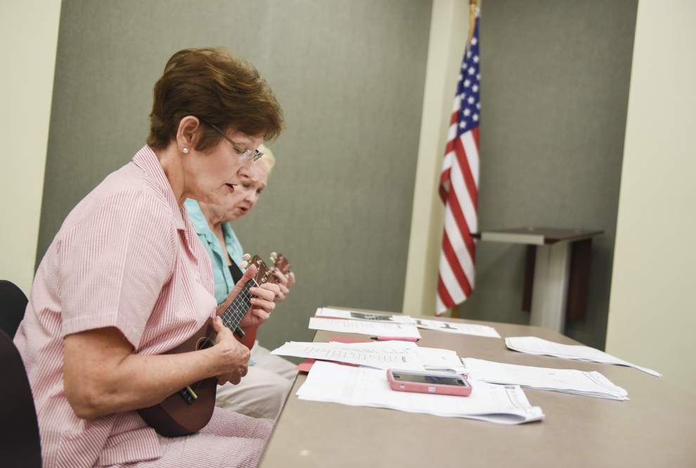 Library adds ukuleles to services _lowres