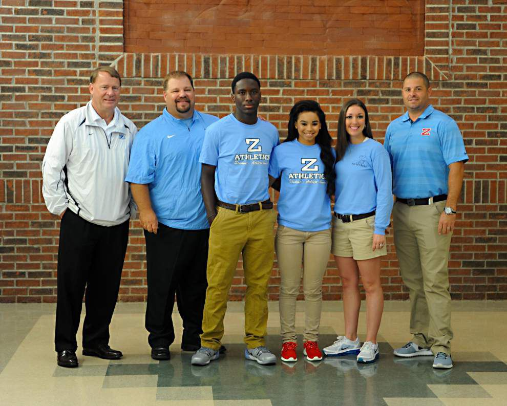 Clayton, Newton named student athletes of month _lowres
