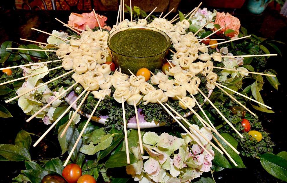 Tortellini Skewers With Pesto Sauce _lowres