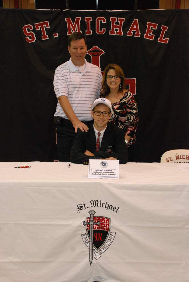 4 St. Michael seniors sign letters of intent _lowres