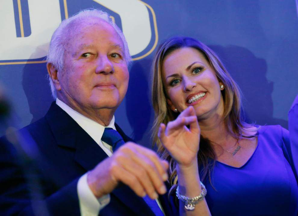 Edwin Edwards leaving hospital after pneumonia treatment _lowres