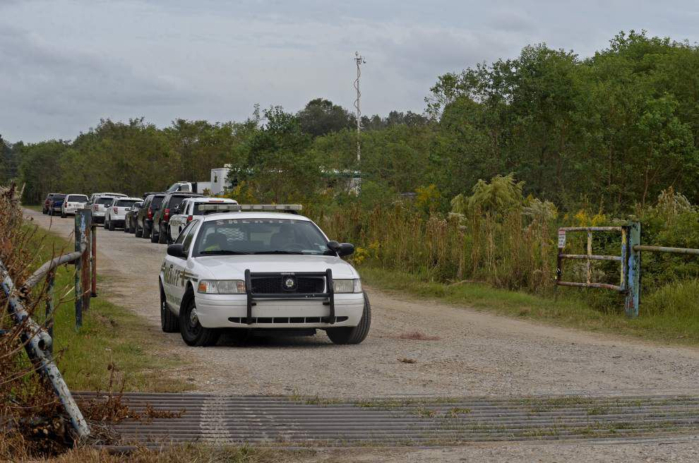 Tip sparks search for more bodies at Baton Rouge property where double homicide suspect lived _lowres