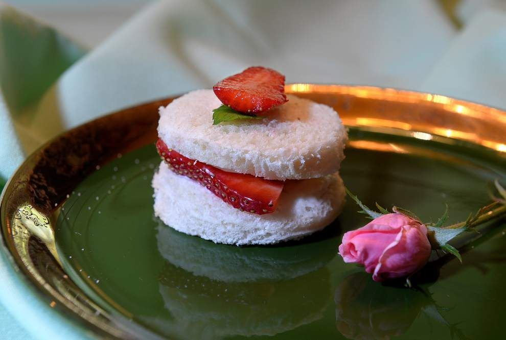 Gourmet Galley: Simply Scrumptious Strawberry Sandwiches _lowres