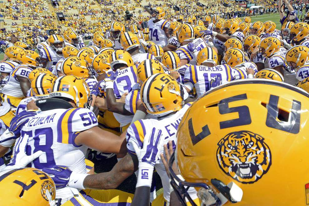 AP, USA Today/coaches poll: After a year away, LSU back in the top 10 _lowres