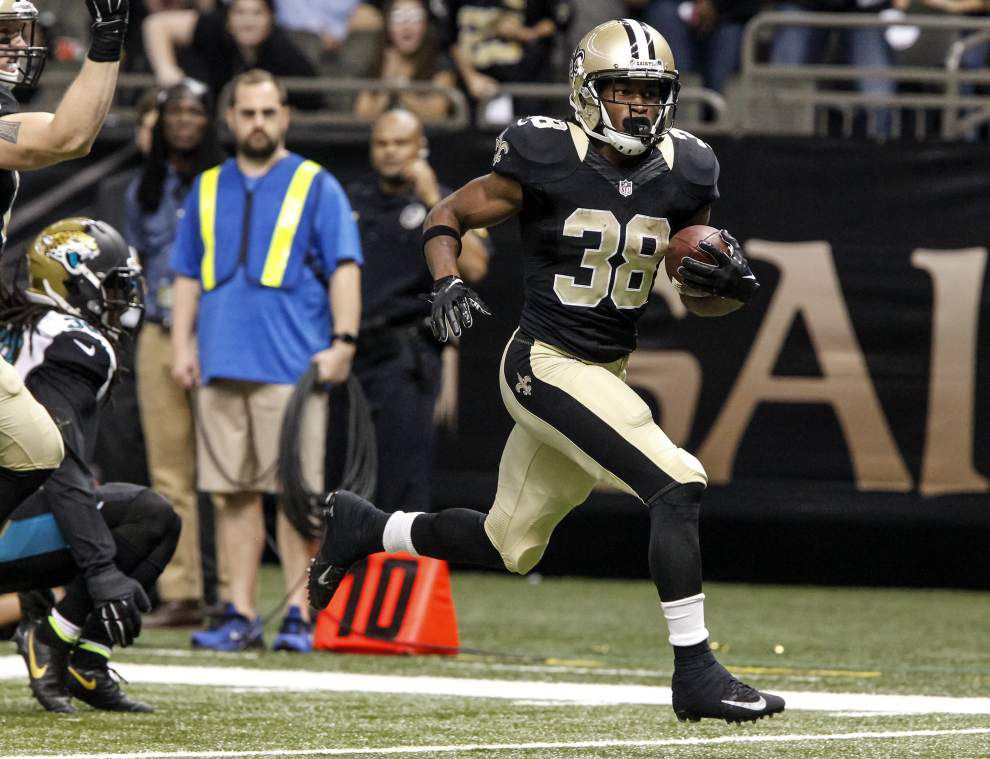 Saints running back Travaris Cadet steps in and contributes on short notice ... while C.J. Spiller is inactive _lowres