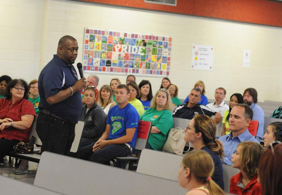 Broussard Middle open house helps parents, students with transition to new school _lowres