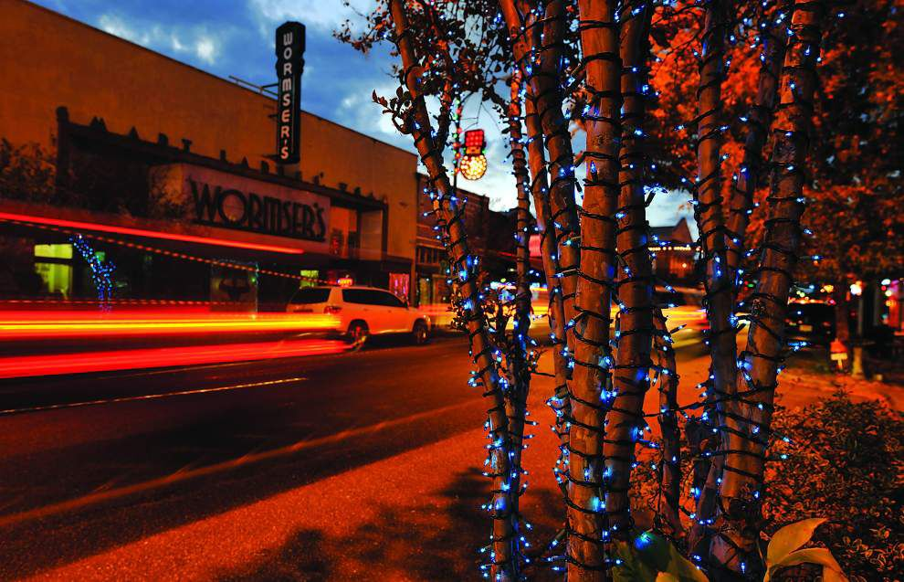 Blue Christmas lights on New Iberia street a tribute to hometown artist George Rodrigue _lowres