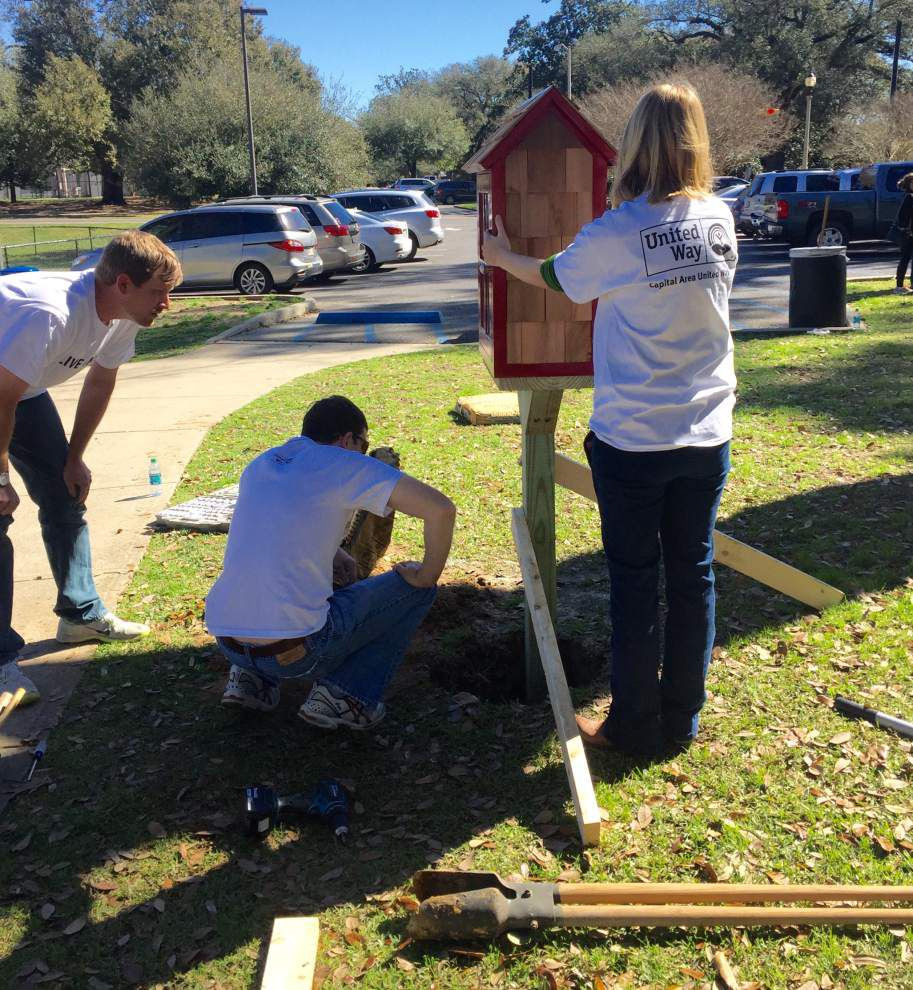 Emerging Leaders donates Little Free Library to park _lowres