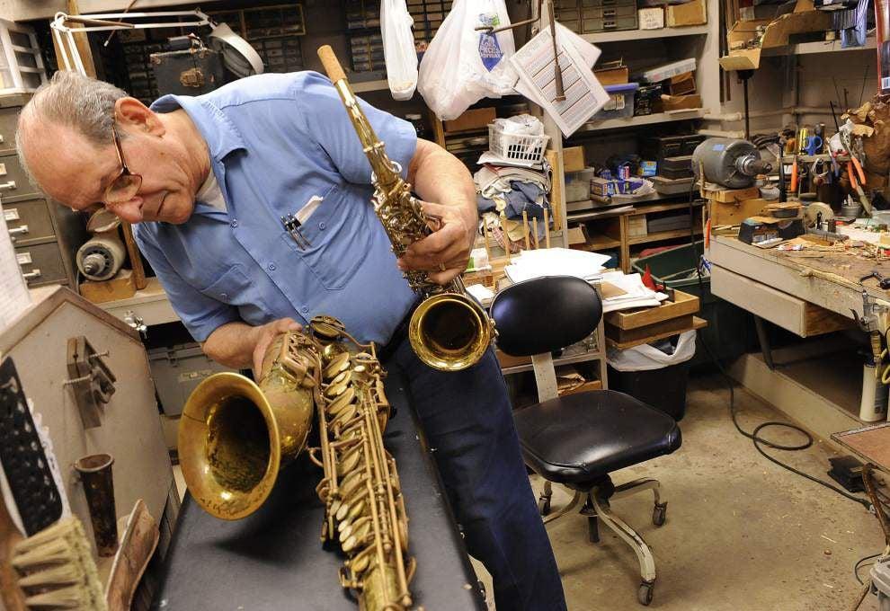 Arts group seeks old, unused musical instruments _lowres