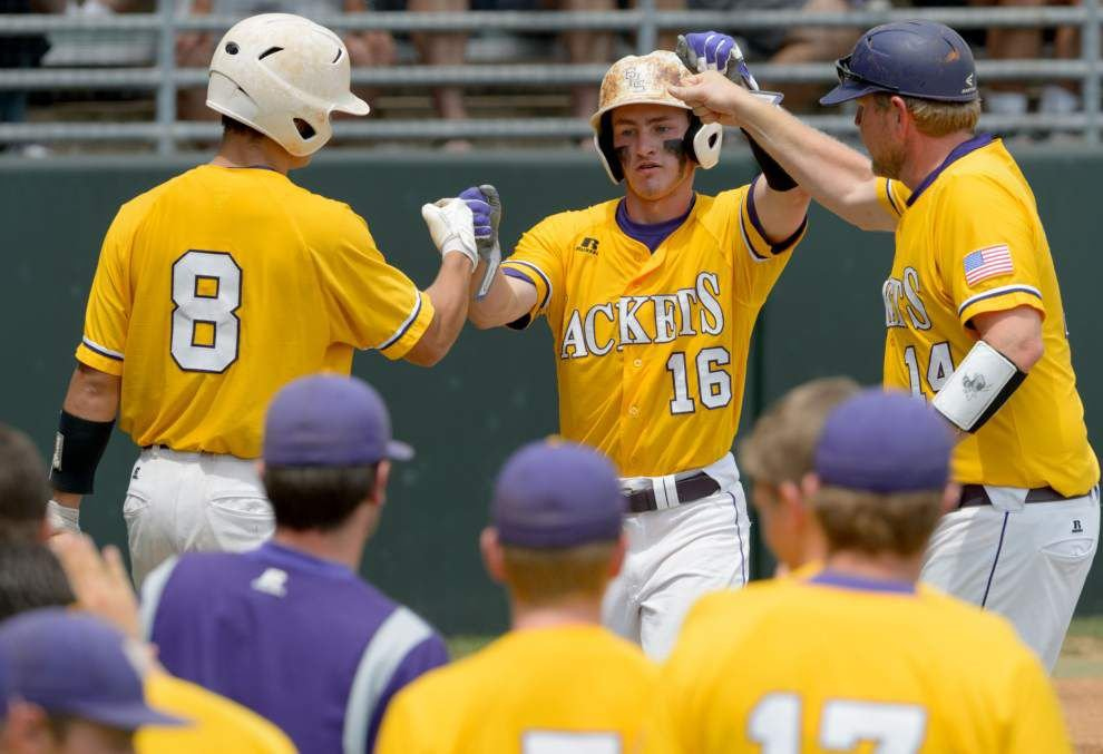Brother Martin breaks through over Byrd to advance to Class 5A semifinals _lowres