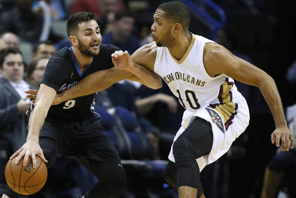 Pelicans guard Eric Gordon cleared to play, start _lowres