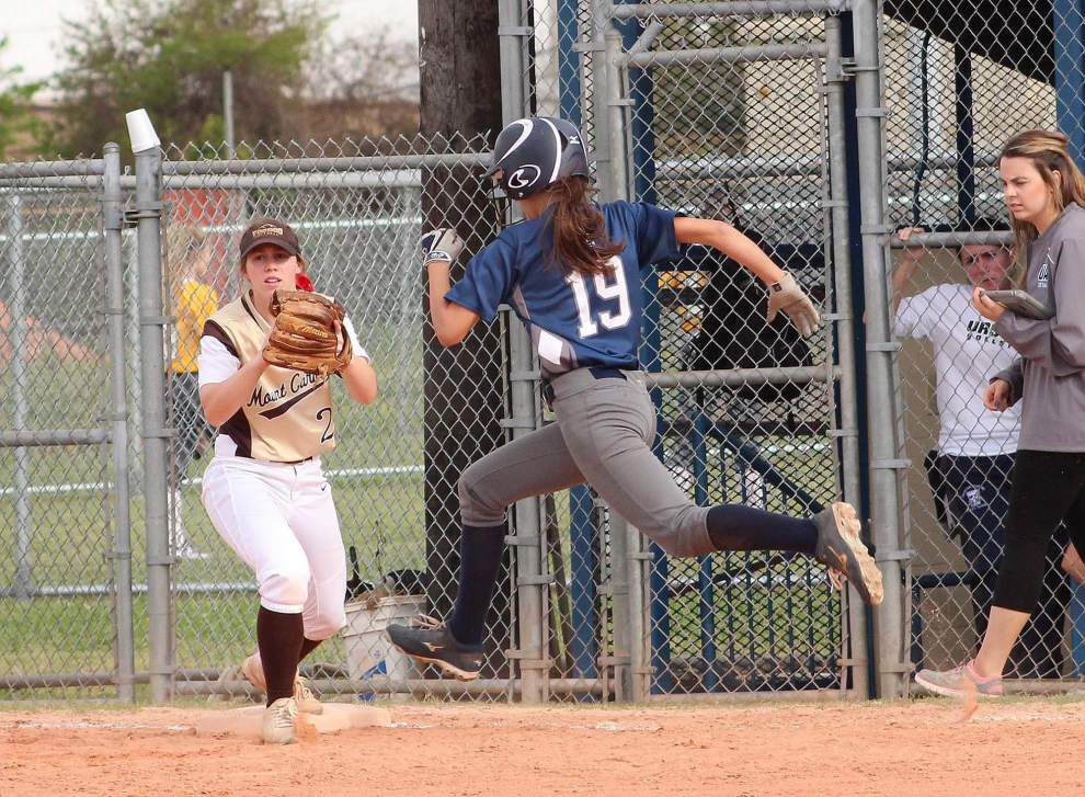 Mount Carmel softball team parlays big fourth inning into 9-1 victory over Ursuline _lowres