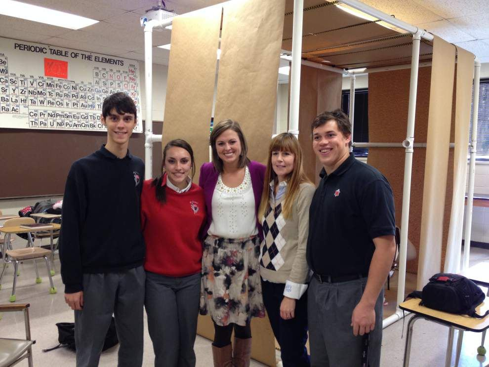 Coroner's Office participates in forensics class _lowres