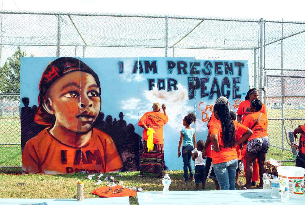 St. Roch community peacemakers create mural _lowres