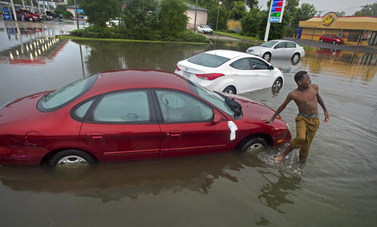 FloodedCars.072716 1004 .jpg