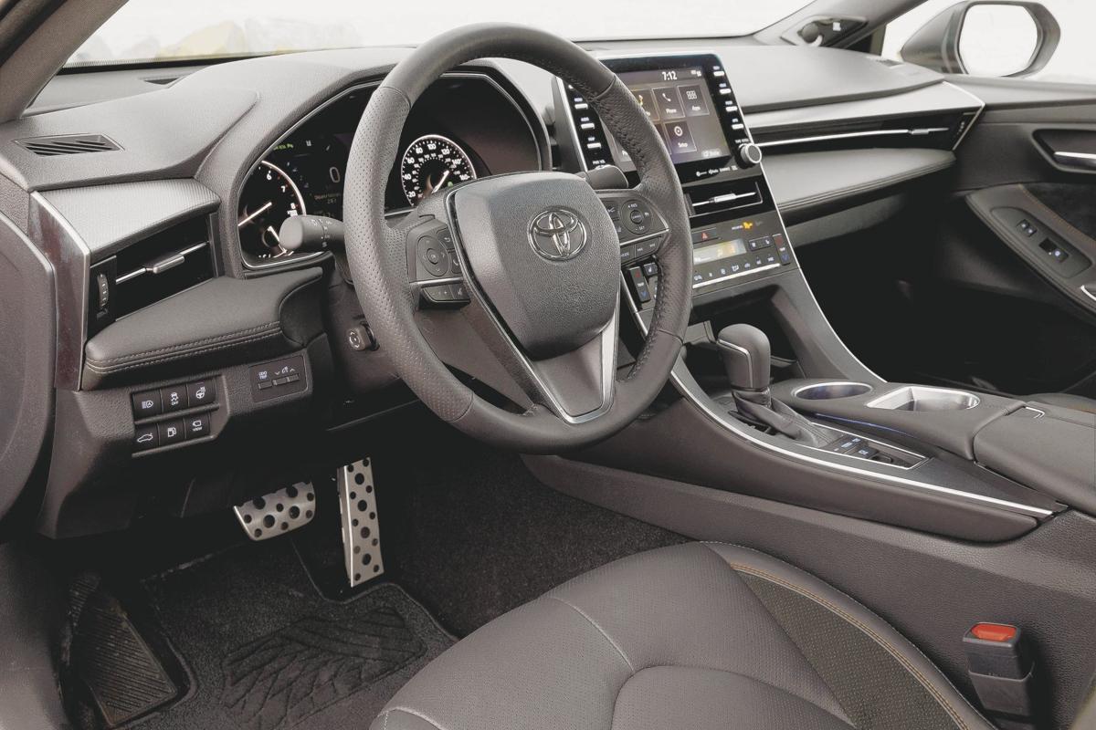 2019 Toyota Avalon Interior