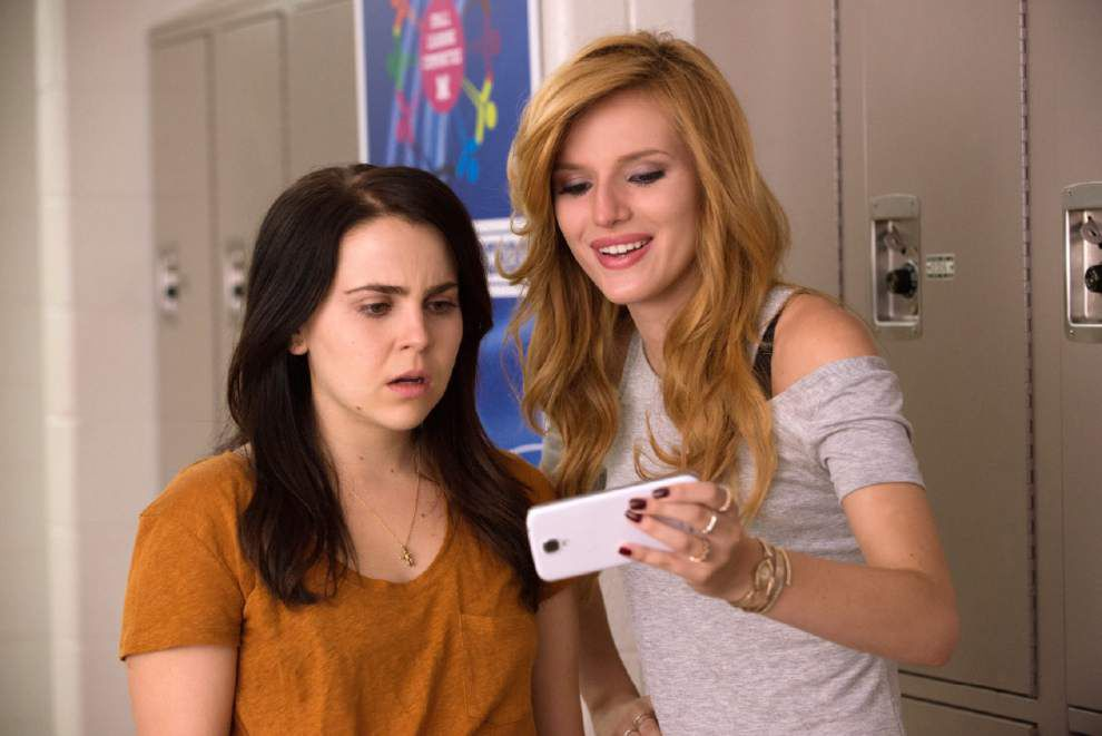 Teen comedy 'DUFF' gives genre a social media spin _lowres