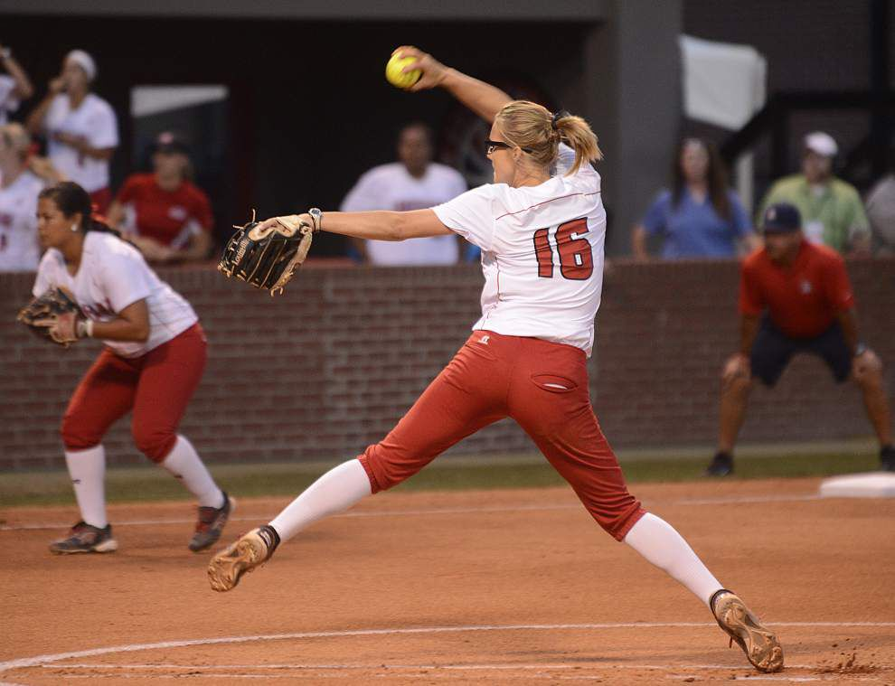 UL-Lafayette softball tops Arizona, needs one more win to reach WCWS _lowres