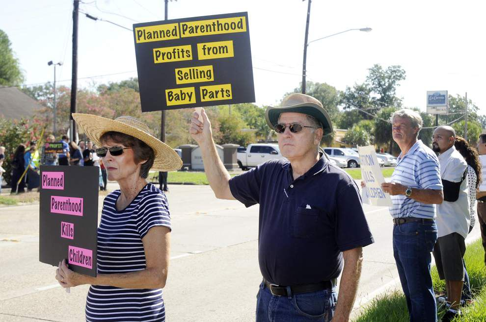Anti-abortion activists protest outside Planned Parenthood health center in Baton Rouge, decrying national organization's role in providing abortions _lowres