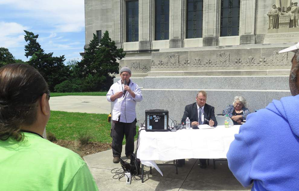 Supporters wanting to decriminalize marijuana meet at Louisiana State Capitol _lowres