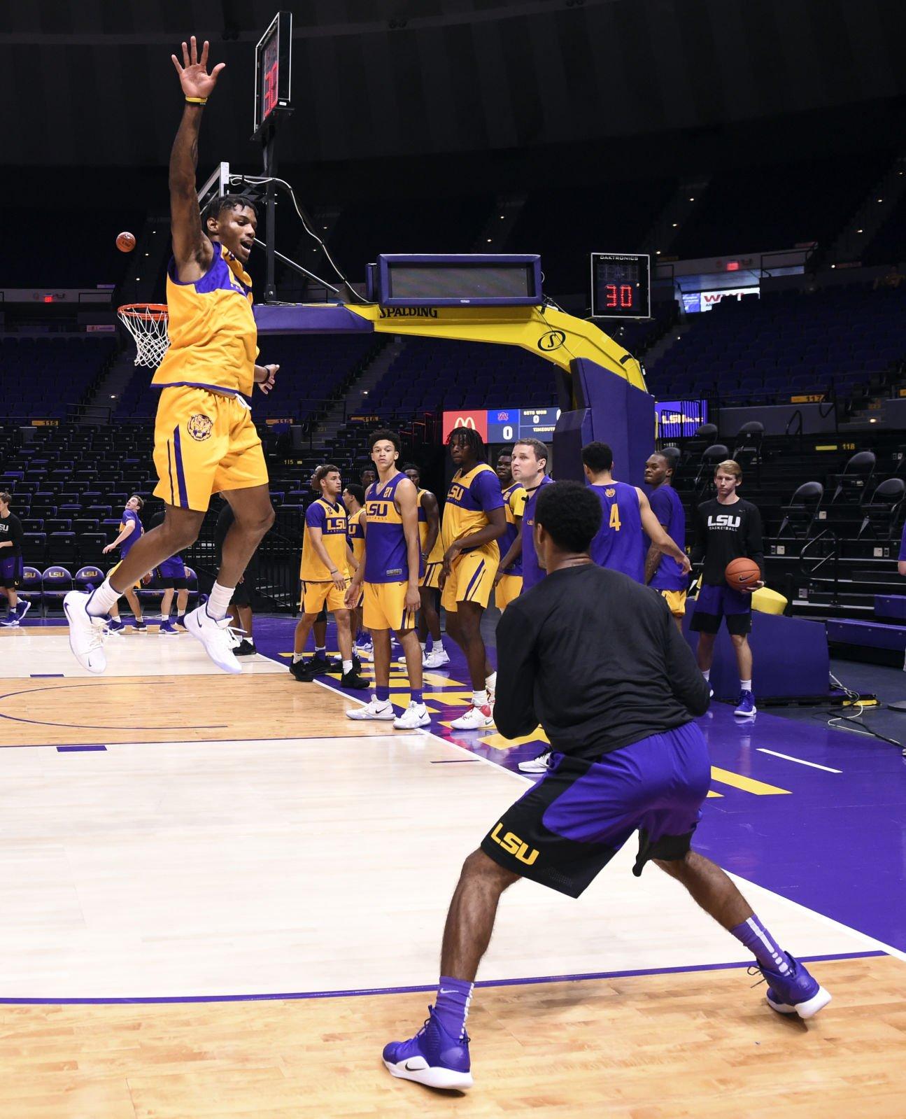 Photos: LSU basketball shows off star