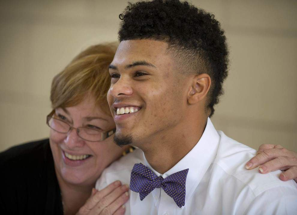Wayde Sims following path of father, Wayne Sims, to play basketball at LSU _lowres