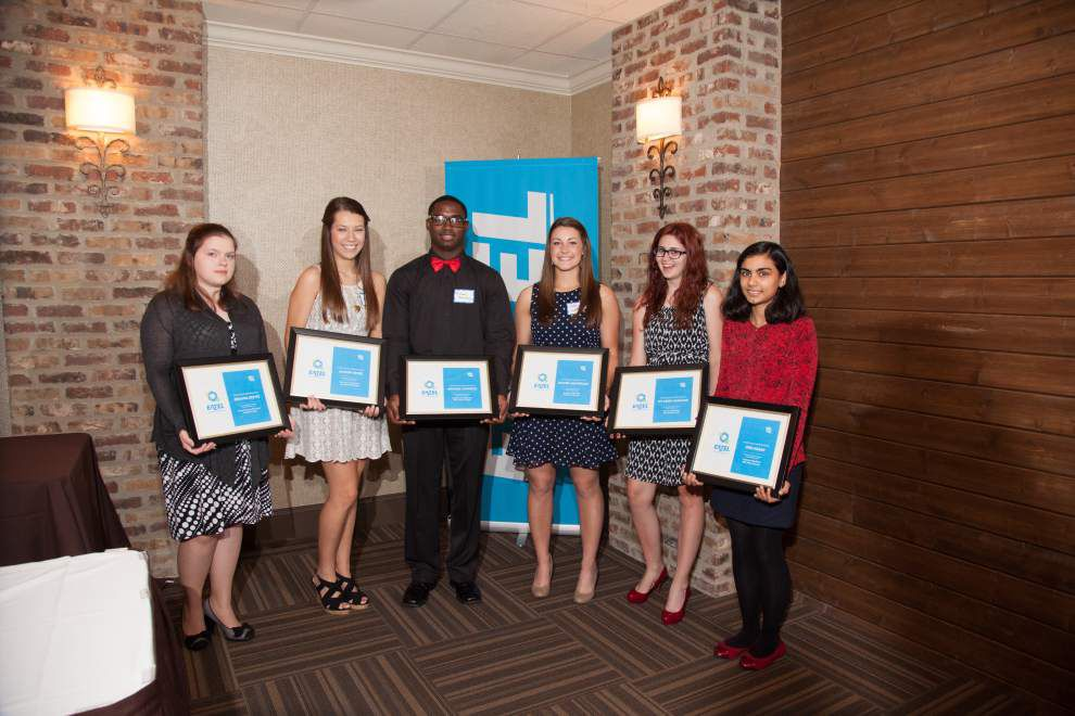 Eatel partners with schools to honor scholars, teachers _lowres