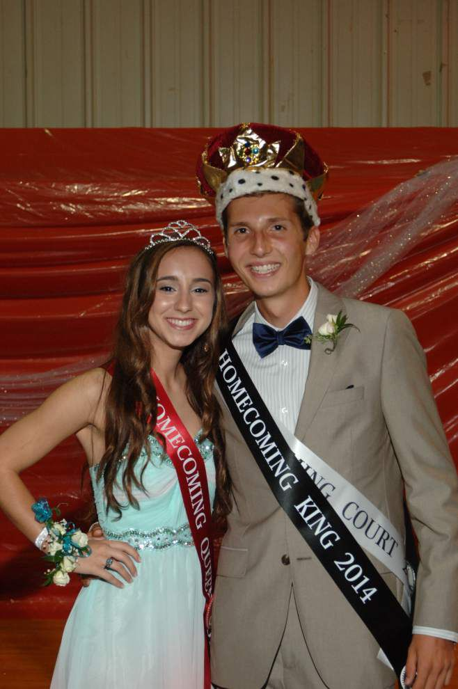 St. Michael crowns homecoming court _lowres