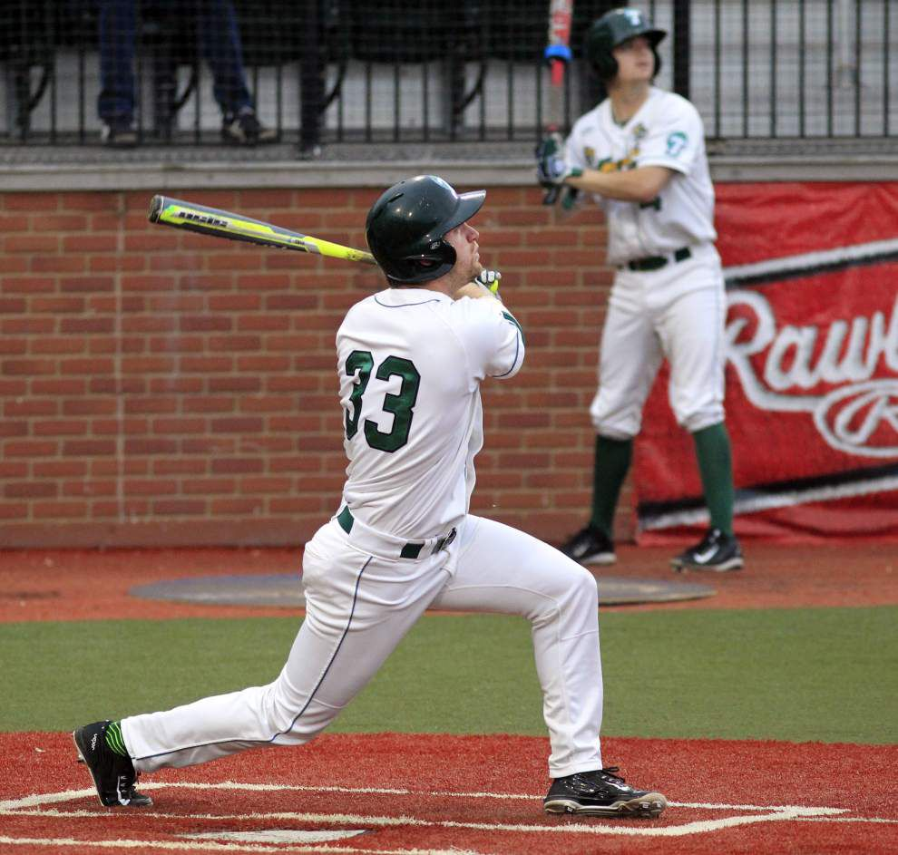 Tulane baseball nabs long-awaited AAC Conference title in rain-drenched win over Houston _lowres
