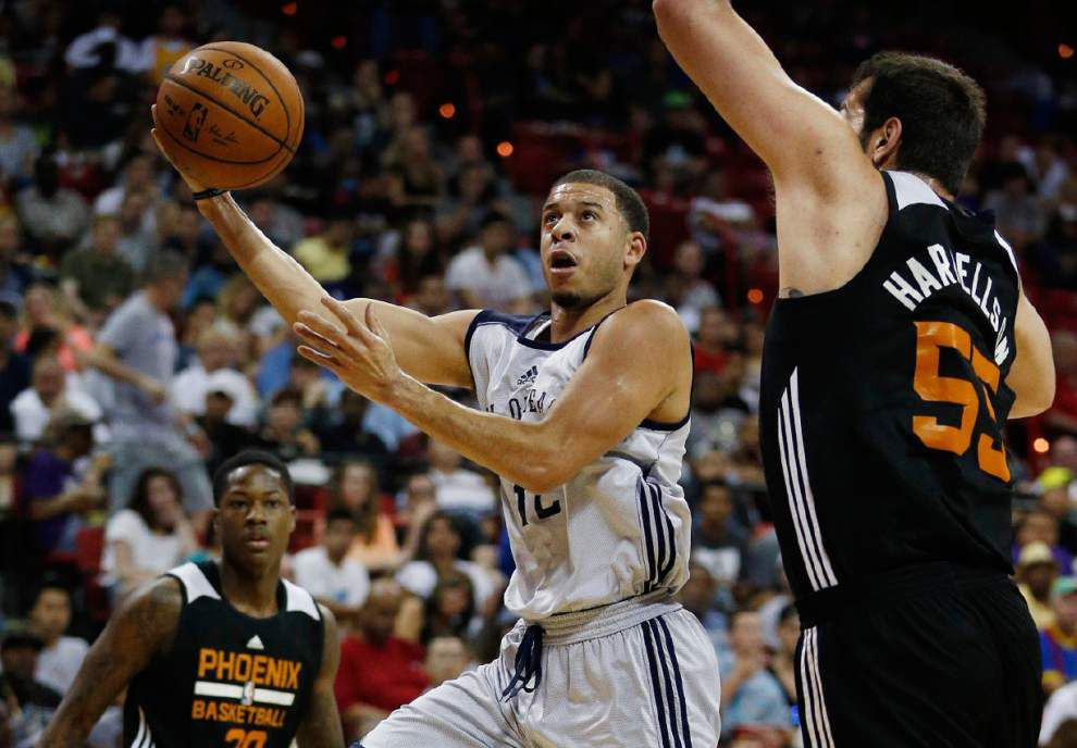 Will Seth Curry's hot shooting in the Las Vegas summer league earn him a spot with the Pelicans? _lowres