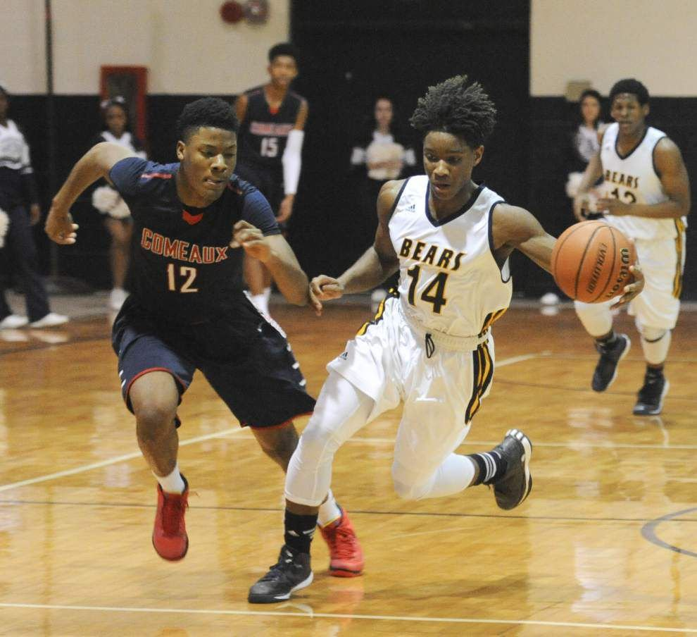 Comeaux eases past Carencro _lowres