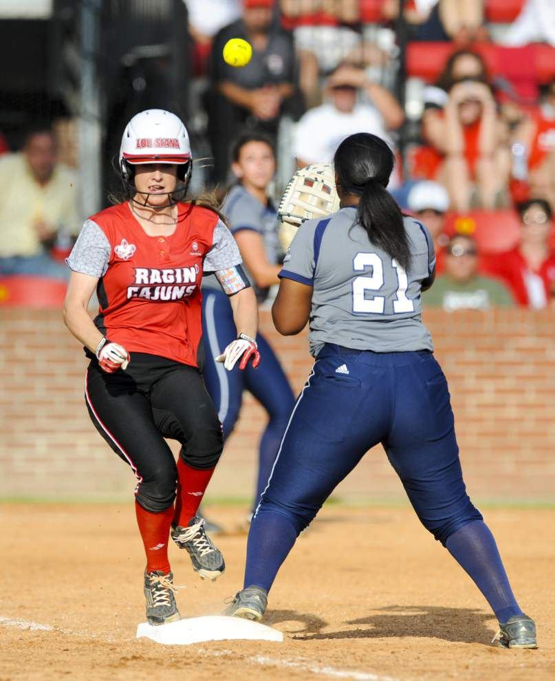 Cajuns sweep Ga. Southern behind big day from Elkins _lowres
