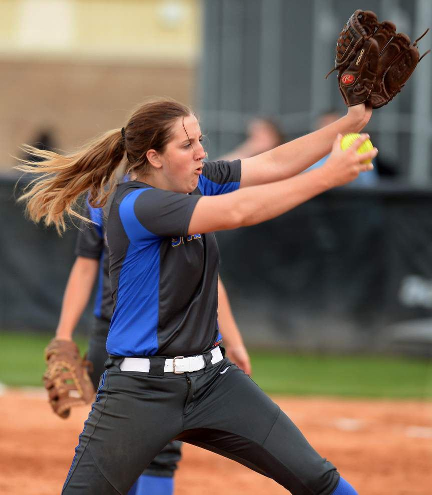 East Ascension softball team no stranger to underdog role, taking on top-seeded Alexandria in Class 5A regional playoff game _lowres
