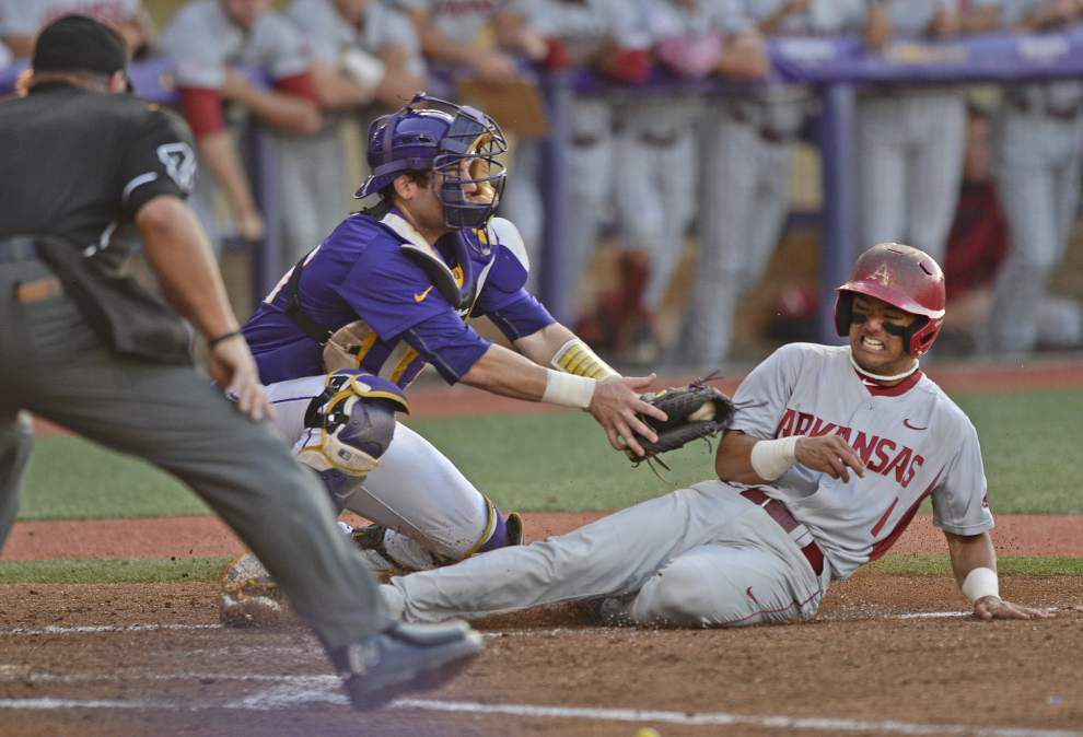 'Rally Possum' meets Alex Box Magic as LSU rallies to top Arkansas 10-9 in 10 innings _lowres