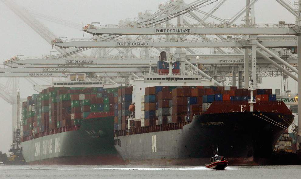 U.S. current account deficit falls to 14-year low _lowres