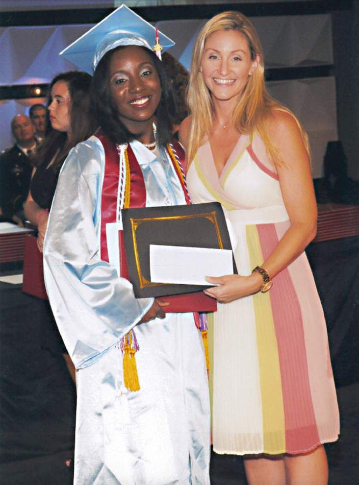 Chamber awards scholarship to 2015 Zachary graduate _lowres
