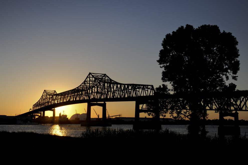 Panel set to look for ways to fix Louisiana roads, bridges _lowres