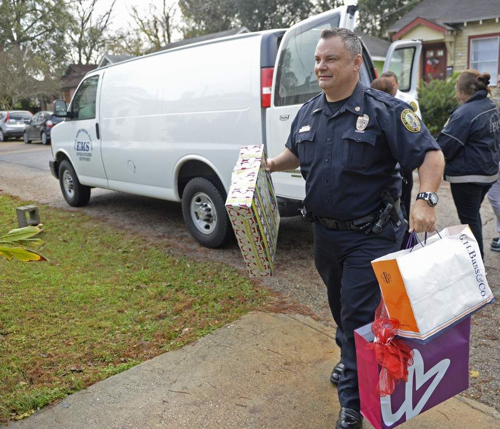 Thanks to EMS, Baton Rouge mother, 2 daughters injured in home-ravaging fire able to celebrate Christmas _lowres