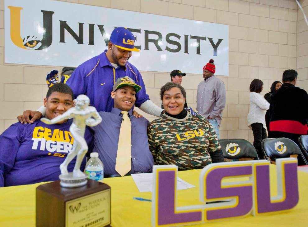 U-High running back Nick Brossette chooses less dramatic route as he signs with LSU _lowres