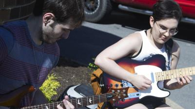 South Hills collegians show skills on mellow side of electric guitar