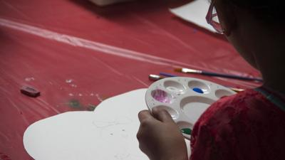 South Fayette art students work on kindness project for cancer patients